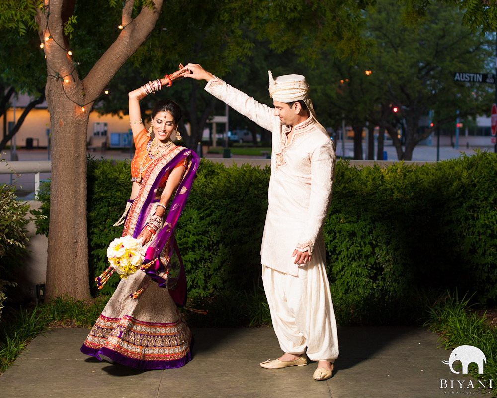 Candid Emotional Indian Wedding Photos Amp Creative Couple Portraits