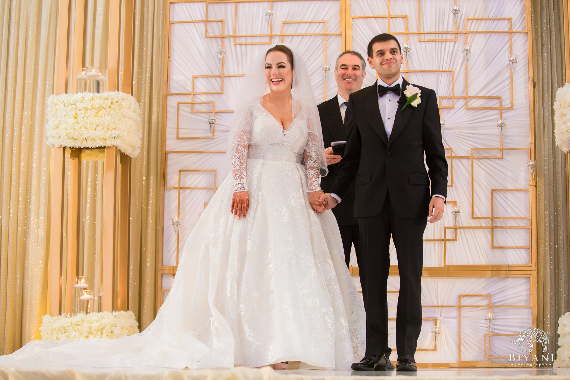 Bride and Groom at the alter of the American ceremony