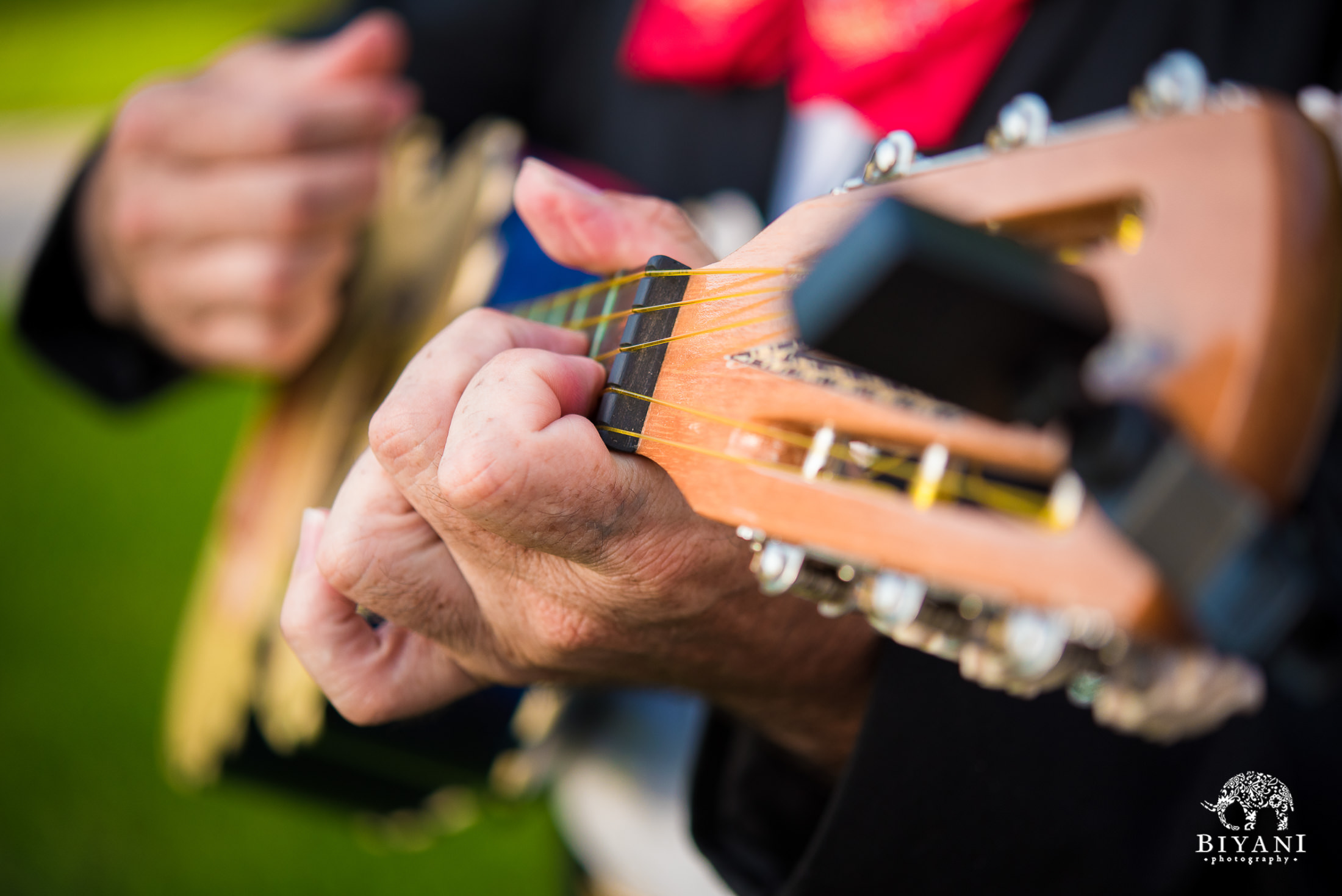 Guitar player at the backyard mehndi