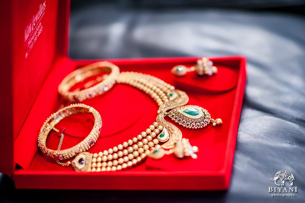 Cuero Wedding Jewelry