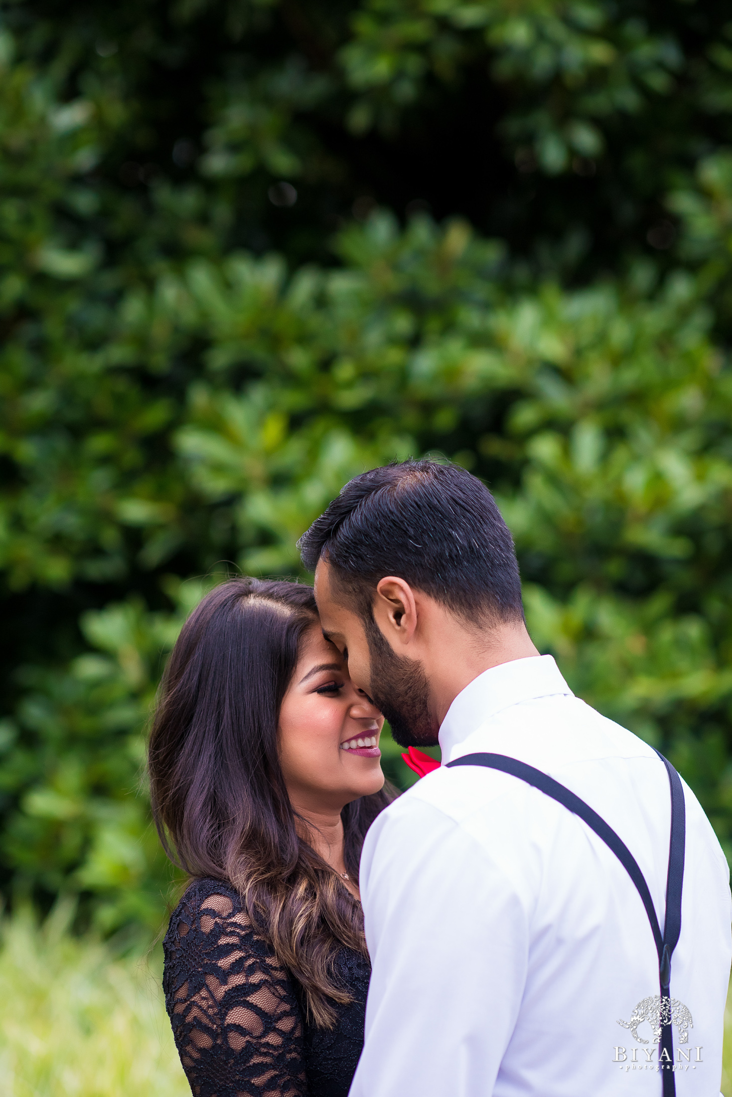 Sri Lankan couple during an engagement photo shoot in Houston, Tx. Discovery Green Park